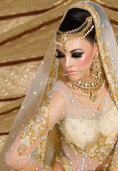 She's a BEAUTIFUL Creme Gold Wedding Bride! LOVE her beautiful beading on her dress and her headpeace. Love the beaded necklace. Indian Wedding Outfits, Indian Outfits, Wedding Dress, Indian Weddings, Bridal Gown, Indian Bridal Makeup, Asian Bridal, Leighton Meester, Saris