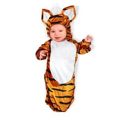 21 halloween costumes for kids/girl!DIY Halloween costumes for kidsno sewing necessary! internet at large there are so many great ideas for DIY Halloween costumes out there. Baby Skunk Costume, Hotdog Costume, Onesie Costumes, Cute Baby Halloween Costumes, Toddler Costumes, First Halloween, Diy Halloween, Smee Costume, Avocado Costume