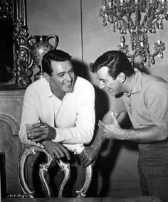 Rock Hudson, Bobby Darin share a laugh between takes of Come september Vintage Hollywood, Classic Hollywood, Hollywood Stars, Hollywood Party, Hollywood Icons, Men's Style Icons, Bobby Darin, Sandra Dee, Rock Hudson