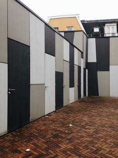 #contrast #doors #city