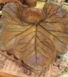 1000 images about rhubarb leaf birdbath and stepping for Making a concrete birdbath