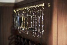 Tack rooms from SeBo do not only have beautiful lockers, but are equiped with lots of SeBo accessories. Learn more about a fully equipped tack room of SeBo. Equestrian Stables, Equestrian Decor, Equestrian Fashion, Horse Barn Plans, Horse Barns, Horse Barn Decor, Tack Room Organization, Tack Locker, Barn Stalls