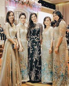 The Wedding of Palacheta Subies Subianto & Amira Raihan Nasution. Dress Brukat, Batik Dress, Hijab Dress, Lace Dress, Party Dress, Kebaya Lace, Kebaya Dress, Dress Pesta, Muslim Wedding Dresses