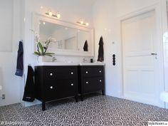 Badrum med marrakech design och klinkers