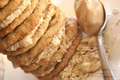 Be Book Bound: Anne of Green Gables April: Raspberry Cordial and Peanut Butter Cookies Peanut Butter Oatmeal, Peanut Butter Cookies, Vanilla Recipes, Baking Recipes, Herbalife Recipes, Herbalife Shake, Good Protein Foods, Raspberry Cordial, Food Is Fuel