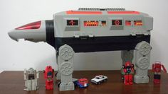 gobots toys gobot command center | Ahora bien, en cuanto a este playset podemos contar con tres ... 1980s Toys, Retro Toys, Vintage Toys, Childhood Toys, Childhood Memories, Saturday Morning Cartoons 80s, Gi Joe, Birth Order, Japanese Robot