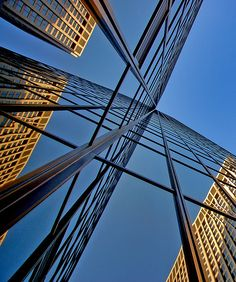 Pittsburgh Skyscrapers - Vanishing Point by Marc_714, via Flickr