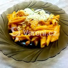 Penne se slaninou, rajčaty a bylinkami recept - Vareni. Penne, Macaroni And Cheese, Waffles, Breakfast, Ethnic Recipes, Food, Mac Cheese, Morning Coffee, Meal