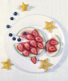 Fish Face | Getting more color onto your kids' plates has never been so much fun.