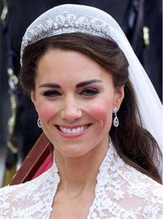 Kate Middleton's wedding hair secret - Claire's Accessories tiara