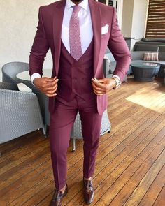 Moda Masculina Formal Suits Ties For 2019 Mens Fashion Suits, Mens Suits, Suit Men, Casual Shirts For Men, Men Casual, Burgundy Suit, Burgundy Shoes, Burgundy Wine, Burgundy Color