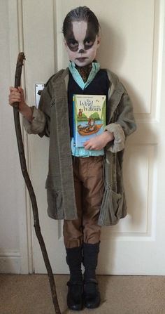 Easy, cheap costume idea for World Book Day - Badger from Wind in the Willows