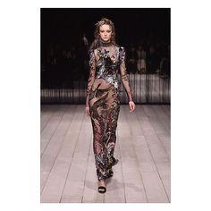 Dark dream embroidery – Alexander McQueen AW16  #AlexanderMcQueen #LFW