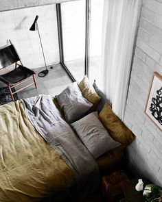 Our #INBEDxTRIIBE moss linen duvet set paired with the @inbedstore charcoal sheet set at the iconic Harry Seidler 'Gissing House' - photographed by the lovely @brookeholm ✨