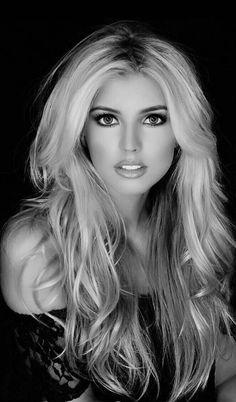 Beautiful Girl Image, Beautiful Eyes, Most Beautiful Women, White Girl Pictures, Blonde Beauty, Hair Beauty, Black And White Girl, Gorgeous Blonde, Pretty Eyes