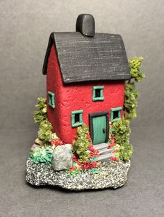 Polymer clay miniature house-Wishing Well Workshop