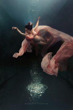 https://www.ilsemoore.com/underwater-maternity-shoot-baby-joubert/