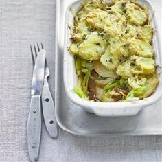 Pink Lemonade Smoothie Mix Chicken, Leek And Bacon Bakes Recipe. This Simple Shortcut Supper Is Packed With Delicious Ingredients. The Perfect Midweek Meal. Bacon Recipes Uk, Chicken Recipes, Cooking Recipes, Free Recipes, Pork Bacon, Bacon Potato, How To Cook Leeks, Midweek Meals, Lunches And Dinners