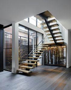 Most people dream of a big house with two or more floors. SelengkapnyaTop 10 Unique Modern Staircase Design Ideas for Your Dream House Home Stairs Design, Railing Design, Stair Railing, Modern House Design, Staircase Design Modern, Banisters, Floating Staircase, Staircase Ideas, U Shaped Staircase