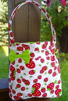 strawberry tote - found on etsy.com