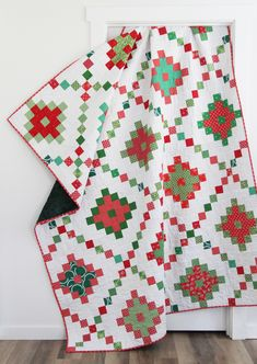 Strip Quilts, Easy Quilts, Quilt Blocks, Star Blocks, Cluck Cluck Sew, Chicken Quilt, Scrap Busters, Quilt Sizes, Free Motion Quilting