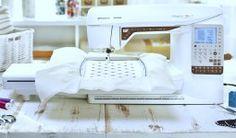 Macchina per cucire ricamatrice Husqvarna Designer Topaz 25 - Porterete la vostra creatività ad un livello completamente nuovo.