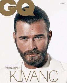 Kıvanç Tatlıtuğ, Wesley Sneijder, Gokhan Özoguz y Mert Alas son elegidos los hombres del año por la revista GQ Turquía en su edición de enero