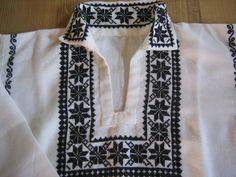 Types Of Shirts, Men's Shirts, Cross Stitch Animals, Embroidery Stitches, Nike Men, Stitch Patterns, Diy And Crafts, Sewing, Costume