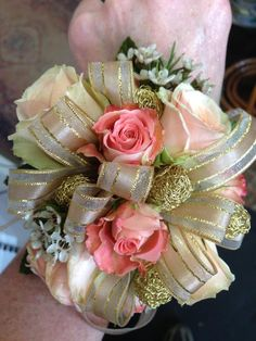 Gold, off white and peach spray rose wrist corsage Homecoming Flowers, Prom Flowers, Confetti Basket, Flower Girl Wreaths, Wedding Colors, Wedding Ideas, Ring Pillows, Wrist Corsage, Spray Roses