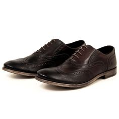 Pawelks Alder - The Pawelks Alder is a great way to style a classic mens wingtip to fit an everyday wardrobe. This simple and comfortable design will make it a quick go-to shoe for your day to night styles!