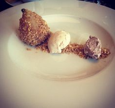 pear dessert at Pizza Nuova, Ambiente, Prague By Ilon