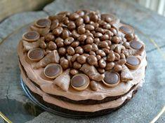 Black Magic Cake - en fantastisk god sjokoladekake - Franciskas Vakre Verden Kefir, Black Magic Cake, Chocolate Cake, Food Porn, Food And Drink, Sweets, Snacks, Baking, Vegetables
