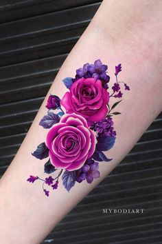 Lavendel Magenta Blume Temporäres Tattoo - MyBodiArt to make temporary tattoo crafts ink tattoo tattoo diy tattoo stickers Flower Cover Up Tattoos, Purple Flower Tattoos, Wrist Tattoo Cover Up, Colorful Flower Tattoo, Pink Rose Tattoos, Tattoo Cover Ups, Vintage Blume Tattoo, Vintage Flower Tattoo, Tattoo Vintage