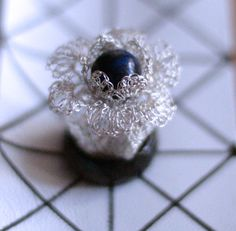 {crocheted ring with lapis lazuli bead}  Inel crosetat (40 LEI la GeoShop.breslo.ro)