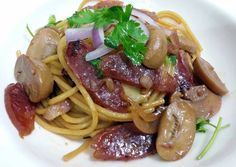 Spaghetti With Chinese Sausages And Mushroom Recipe -  Yummy this dish is very delicous. Let's make Spaghetti With Chinese Sausages And Mushroom in your home!