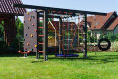 Backyard Jungle Gym, Backyard For Kids, Natural Playground, Backyard Playground, Backyard Garden Design, Backyard Projects, Kids Play Equipment, Outdoor Gym Equipment, Kid Friendly Backyard