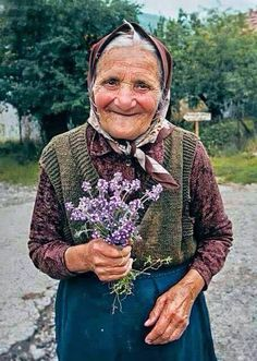 Photography women smile 64 new Ideas Beautiful Smile, Beautiful World, Beautiful People, Old Faces, Ageless Beauty, Interesting Faces, Happy People, People Around The World, Old Women