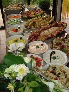 Koud buffet salade recepten in Healthy Foods To Eat, Healthy Smoothies, Party Food Platters, Party Catering, Vegetarian Appetizers, Super Party, Party Snacks, Party Party, Cold Meals