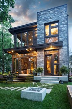 This Lake Calhoun Organic Modern home was constructed by premier homebuilders John Kraemer and Sons in Minneapolis, Minnesota.
