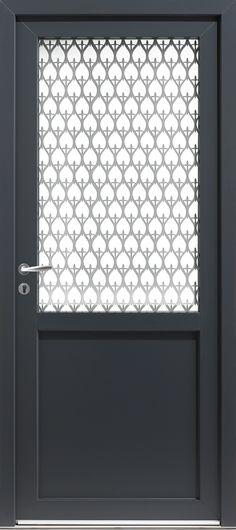 Réalisation du0027une porte en PVC plaxé gris 7016 + petits bois, par