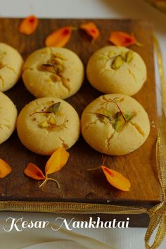 Recipe for Diwali special Kesari Nankhatai - Indian shortbread cookie with saffron and pistachios - Diwali special recipes - Eggless Indian cookies Easy Indian Dessert Recipes, Indian Desserts, Easy Cake Recipes, Indian Food Recipes, Baking Recipes, Indian Sweets, Fancy Dishes, Food Dishes, Fancy Foods