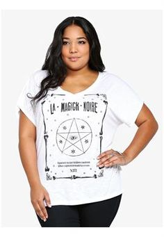We love this star graphic plus size tee by Torrid that lends some edge to this white slub knit tee with dolman sleeves!