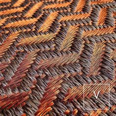 From Colombian outfit Verdi Design, which has great aesthetic and a broad willingness to play with materials to great effect. Weaving Textiles, Weaving Art, Weaving Patterns, Loom Weaving, Textile Patterns, Hand Weaving, Handmade Copper, Handmade Rugs, Loom Yarn