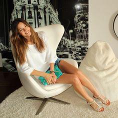 Malena Costa with Refresh sandals   Refresh