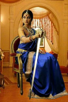 Anushka Loves Hot Looking Photos of Anushka Shetty in Saree Mallika Sherawat Hot, Anushka Photos, Indian Photoshoot, Actress Anushka, Beauty Full Girl, Most Beautiful Indian Actress, Indian Beauty Saree, Indian Celebrities, Bikini Pictures