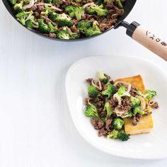 Boeuf au brocoli et au tofu Tofu, Beef, Broccoli Beef, Ricardo Recipe, Shredded Beef, Kitchens, Recipes, Meat, Steak
