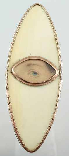Early 1800's Georgian brooch - eye portrait on card set into ivory & gold.