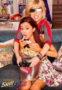 Jennette McCurdy ✾ and Ariana Grande ✾ Ariana Grande Victorious, Ariana Grande Bangs, Ariana Grande Cat, Icarly And Victorious, Ariana Grande Photos, Sam E Cat, Jenette Mccurdy, Emma Ross, Old Shows