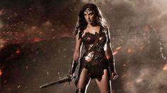 GAL GADOT WARNER - Il primo film di Wonder Woman, interpretata da Gal Gadot, sarà probabilmente ambientato negli anni '20. - http://c4comic.it/2014/10/31/dc-comic-il-film-di-wonder-woman-sara-ambientato-negli-anni-20/