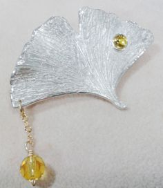 Gingko Leaf Brooch, Synthetic Stone Setting Technique